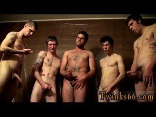 Nackt maenner wichsen Frauen Schauen