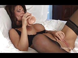 Hot milf Deauxmaa squirt